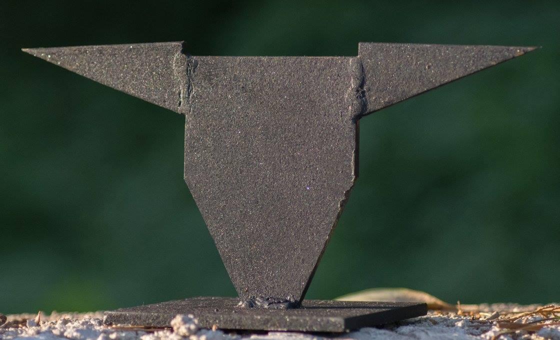 HORN-Y, METAL PLATES, CCA 25X25X40CM, 2017 (3)